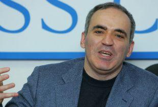 Chess Master Takes On Putin, Syria, and Social Media